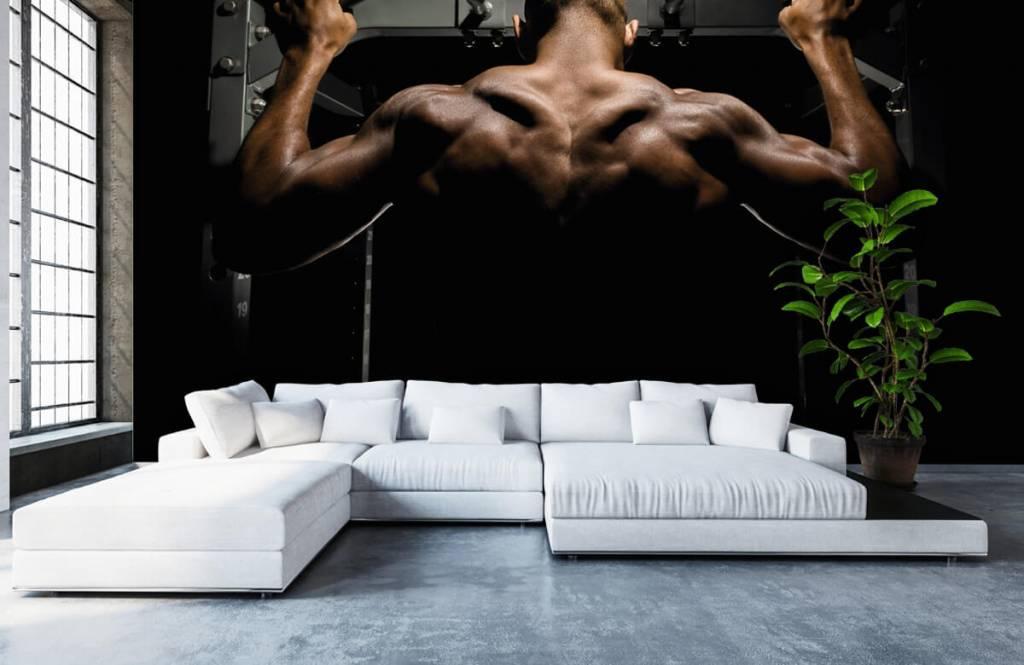 Fitness Man med muskulös rygg 6