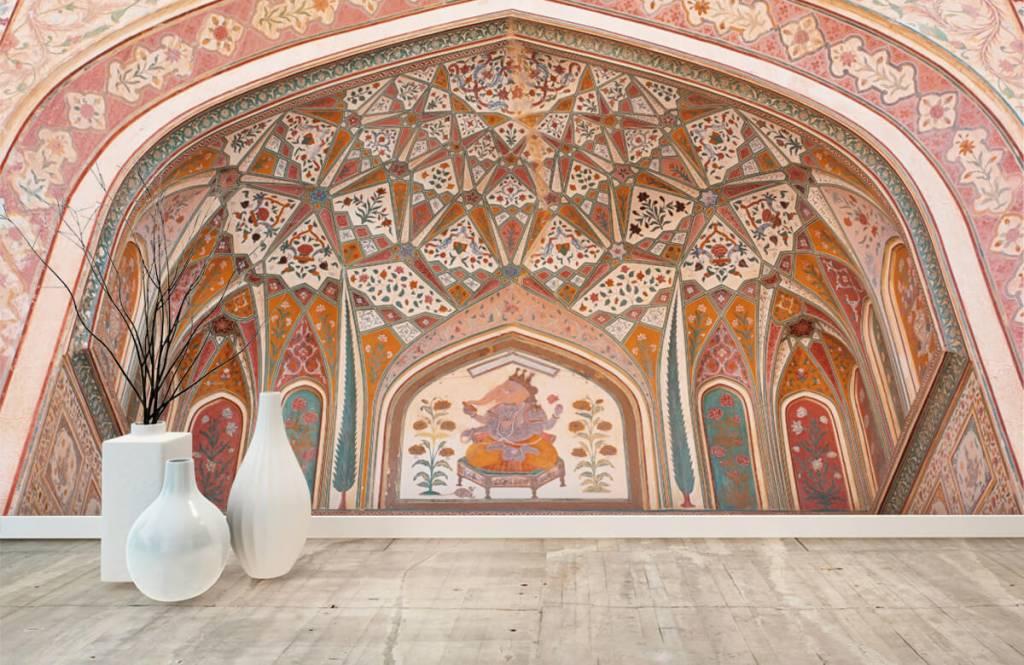 Monument Rikt målad indisk båge 8