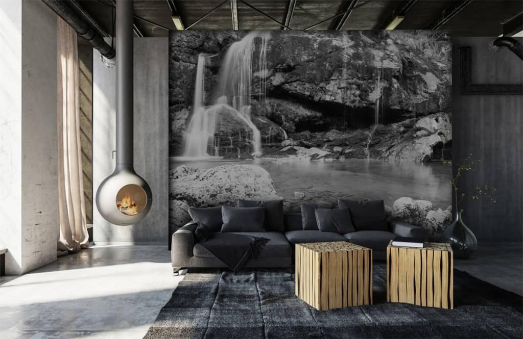 Svartvit tapet Vattenfall över en stenmur 7