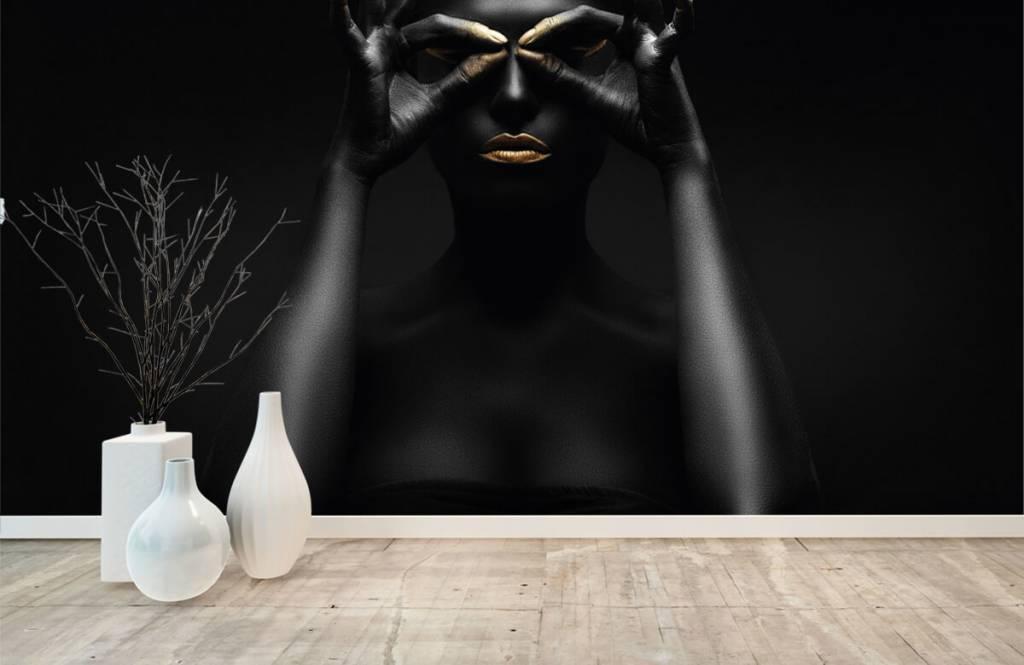 Ansikten och porträtt Svartmålad kvinna 7