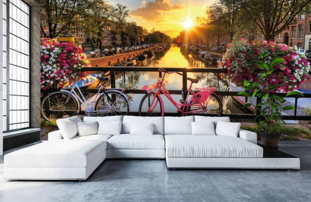 Städer tapet Cykla på en bro med blommor 1