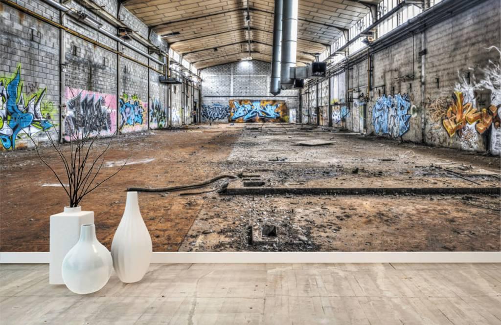 Byggnader Gammal övergiven fabrikshall 8
