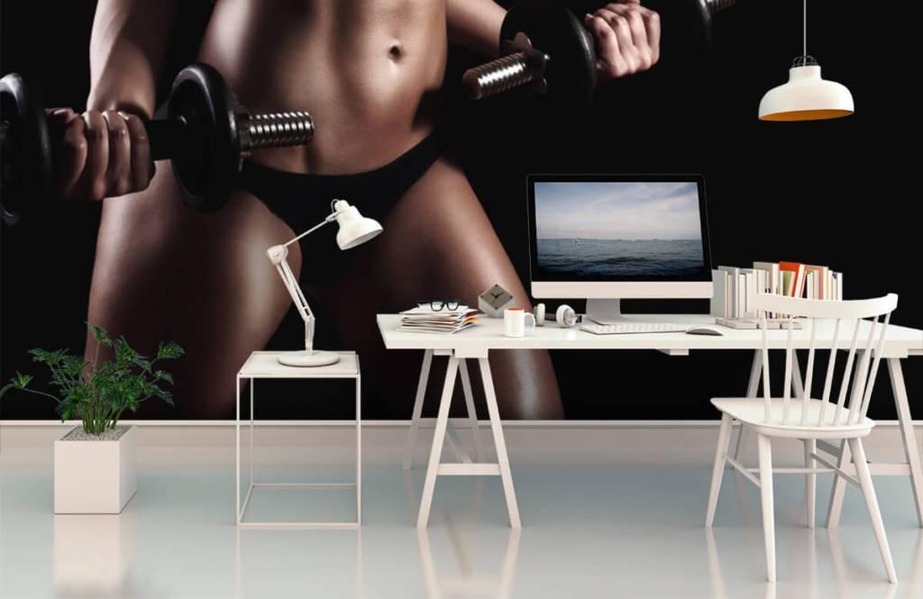 Sport och fitness Kvinna med magmuskler 2