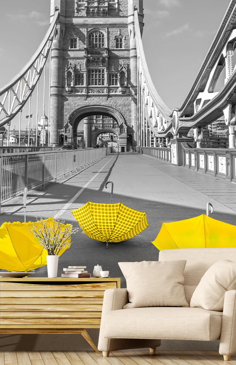 Gula paraplyer på Tower Bridge 3