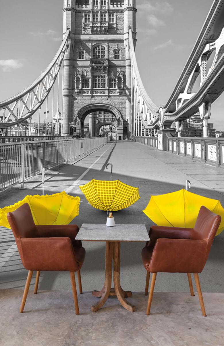 Gula paraplyer på Tower Bridge 2