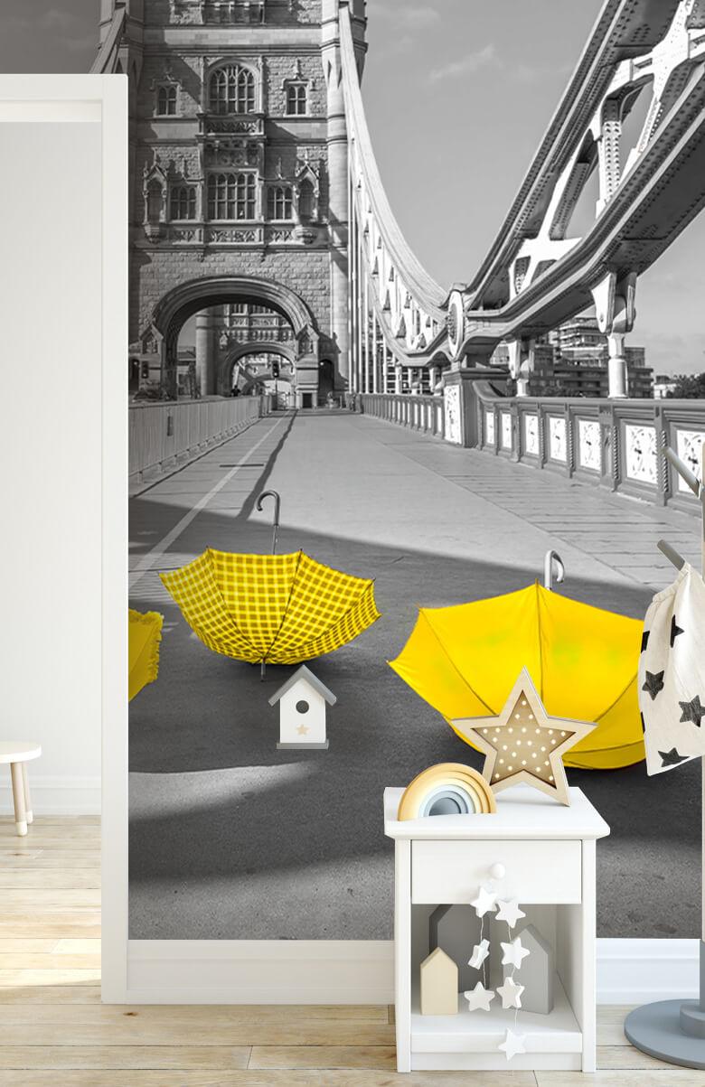 Gula paraplyer på Tower Bridge 5