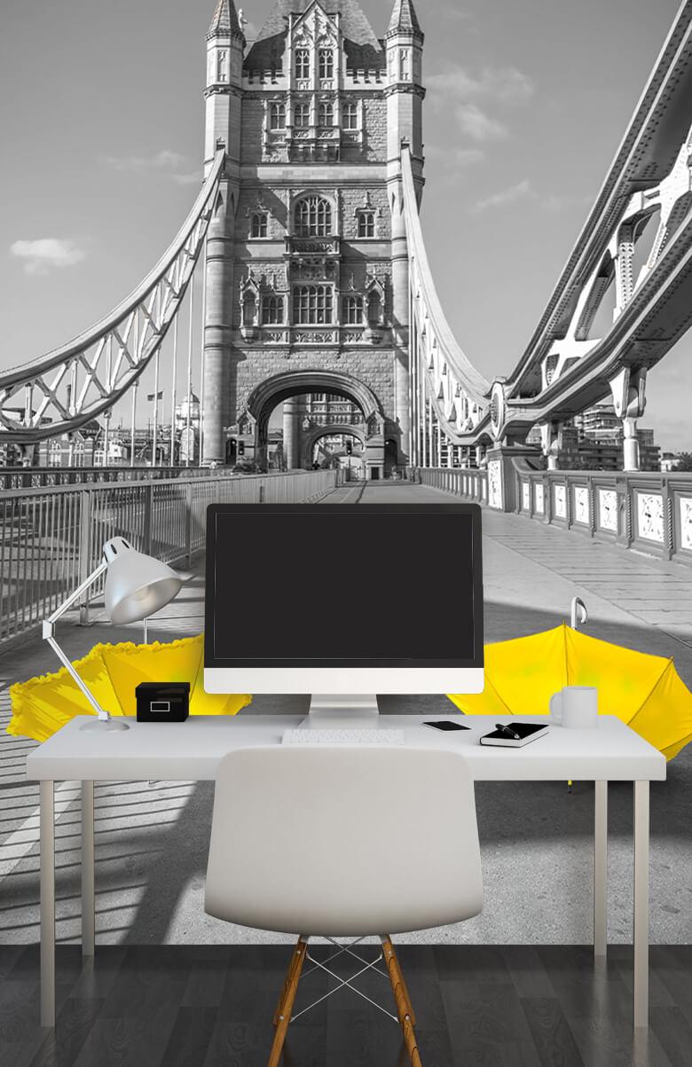 Gula paraplyer på Tower Bridge 13